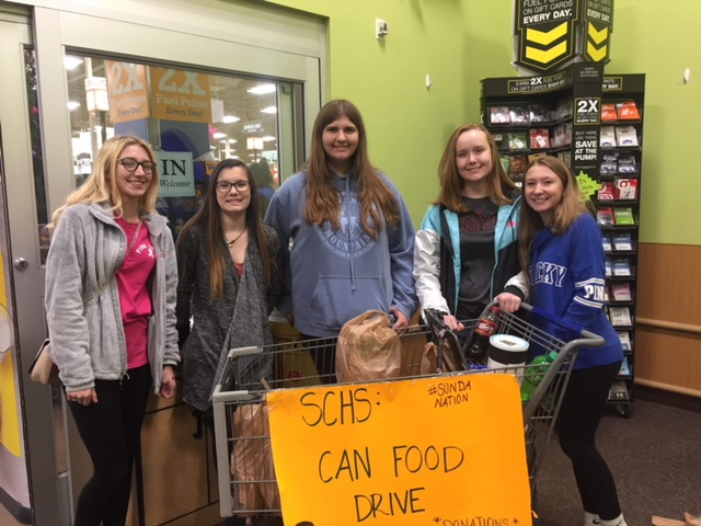 +Jadyn+Staggs%2C+Graycee+Slone%2C+Katalina+Byrd%2C+Sarah+Bryant%2C+and+Victoria+Saager+make+a+difference+in+the+community+by+collecting+donations+for+the+AMEN+House+at+Kroger.++