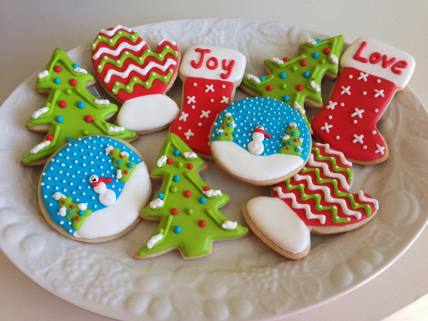Sugar+cookies+can+become+works+of+art+with+royal+icing.++