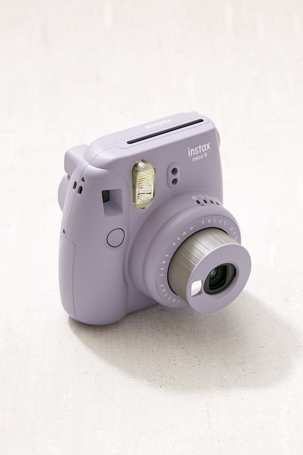 These+polaroid-esque+cameras+have+had+a+rise+in++popularity+in+the+last+few+years+and+bring+forth+a+touch+of+the+past+in+a+current+way.+%0A