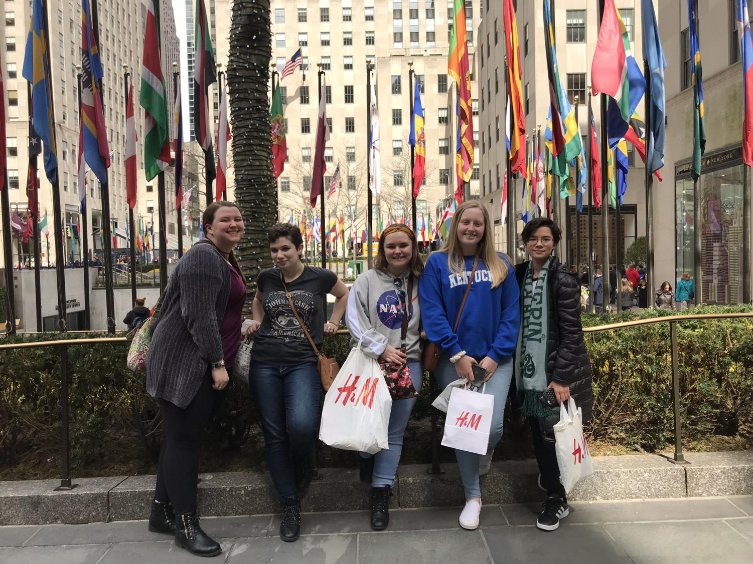 Students+had+time+for+shopping+and+exploring+while+in+NYC+during+spring+break.+