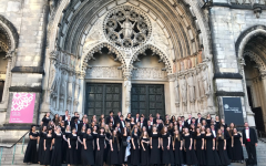 Choir Soaks In Culture in NYC During Spring Break
